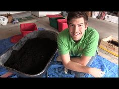 We are harvesting our black gold. The worm castings are ready after 2 years and we want to get them in the garden and growing tons of food for us! Worm Beds, Red Wiggler Worms, Red Wigglers, Worm Castings, Tomato Garden, Vegetable Garden, Worm Farm, Worm Composting, Organic Fertilizer