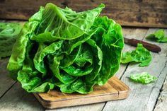 Romaine lettuce nutrition is impressive due to its high level of antioxidants, vitamins and minerals, such as vitamin A and folate. Nutrition Chart, Nutrition Tracker, Nutrition Diet, Lactuca Sativa, Food Recalls, 7 Day Meal Plan, Celery Juice, Leaky Gut, Freezer Meals