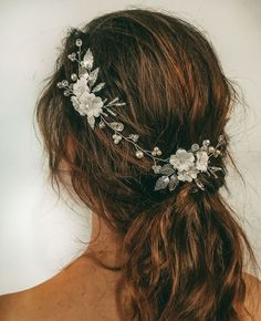 A floral hair vine was made for the bride who wants to make her boho style wedding or beach wedding. To connect beautiful curls and a gentle veil together and your wedding image will be millet magnificent. The product from photo has the length of 13,77 (3 flowers) Inches. #bohoheadpiece #floralwedding #weddinghairvine #rosegoldheadpiece #bridalhairvine #flowerwedding #hairaccessories #floralhairpiece Floral Wedding Hair, Bridal Hair Vine, Floral Hair, Bohemian Headpiece, Wedding Images, Wedding Hairstyles, Hair Accessories, Boho Style, Veil
