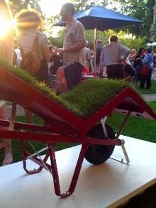 Chaise-Lawn (Deger Cengiz, 2009): an alive furniture, mobile planter, human transporter.