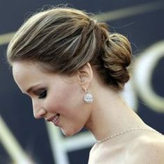 Exclusive Oscar How-To!   Jennifer Lawrence's Youthful Updo