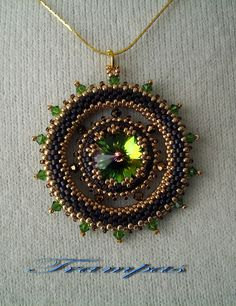 Beaded Jewelry I want to work on my beading with seed beads again. Thought this is interesting idea other than pendents. - Estaba intentando una cosa y me salió otra. pero me gusta. Bead Jewellery, Seed Bead Jewelry, Pendant Jewelry, Seed Beads, Beaded Jewelry, Jewlery, Jewelry Patterns, Beading Patterns, Peyote Beading