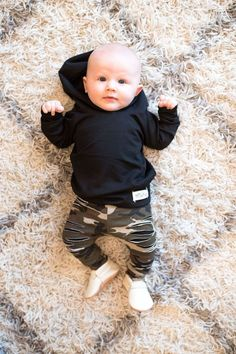 All Black Hoodie - Baby boy fashion - Kids Style Baby Outfits, Outfits Niños, Little Boy Outfits, Little Boys Clothes, Fashion Outfits, Baby Boy Fashion, Toddler Fashion, Fashion Kids, Fashion Clothes
