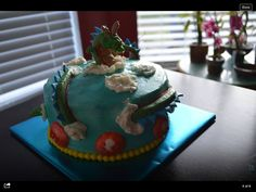 Shen Long. Blue velvet with cream cheese icing.