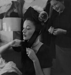 Gene Tierney - Photo by Edward Steichen {greatgdean} Hollywood Glamour, Classic Hollywood, Old Hollywood, Hollywood Actresses, Edward Steichen, Gene Tierney, Star Wars, Alfred Stieglitz, Ethereal Beauty