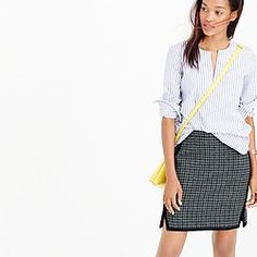 Double-notch mini skirt in houndstooth