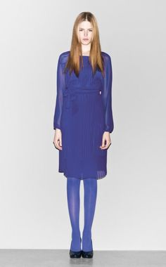 In this image: Dress (4AUT5V3L6); Shoes (8GEAS3097). Fall Winter 2012-13 Sisley woman collection.