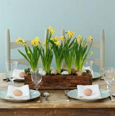 décoration de table Pâques oeufs