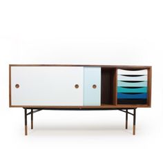:: Finn Juhl, cabinet : beautiful and colourful piece by one of the Scandinavian masters
