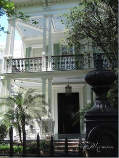 Southern style - New Orleans. porches/balconies with blue ceilings, the only way to go. Blue ceilings were thought to discourage flies. New Orleans Garden District, Beautiful Homes, Beautiful Places, Green Shutters, Southern Architecture, Classic Architecture, Porch And Balcony, Blue Ceilings, New Orleans Homes