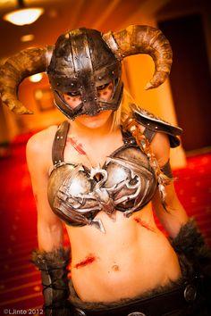 Skyrim Warrior #cosplay Dicen por ahí que Jessica Nogri es la mejor cosplay del medio, tal vez sea cierto