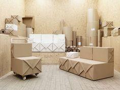 sillas y sillones con cajas de carton