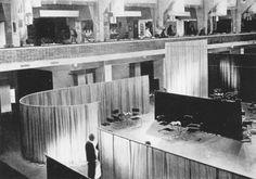 Mies van der Rohe / Lilly Reich Café Samt & Seide, Berlin 1927 http://www.projektmik.com/img/artist/12/info//024CafeSamt+Seide1.jpg?iact=rc&dur=814&page=1&start=0&ndsp=22&ved=0CFoQhBwwAQ