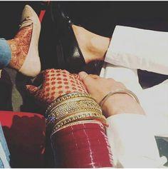 Punjabi Wedding Couple, Indian Wedding Couple Photography, Bride Photography, Wedding Couples, Wedding Poses, Punjabi Bride, Cute Couple Selfies, Cute Love Couple, Cute Couple Pictures
