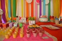 Festa de aniversário; Tema o arco íris - Decoração de mesa (2014)