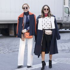 Pin for Later: Genießt das Wochenende mit den besten Street Style Shots der Fashion Week Street Style bei der New York Fashion Week, Februar 2016 Dani und Aimee Song