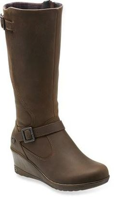 These leather boots offer a city style with all day comfort. The buckles on the shafts and feed add sophistication. Pair these boots with a puffy vest to travel in stylish comfort all day.