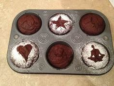 Share:My twitter post about making Bulletproof Cupcakes got a ton of attention from Jenny Blake who runs Life After College and Elisa Doucette, who is a featured blogger for Forbes.com. In fact, they pretty much promised to haunt me until I disclosed the recipe. I've spent 10 years figuring out how to make great tasting …