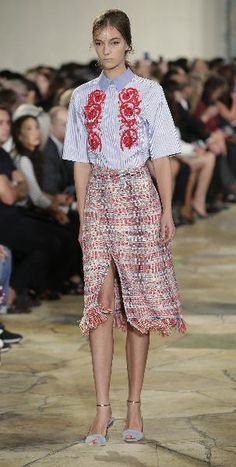Tory Burch - Runway - Spring 2016 New York Fashion Week: A model presents a creation by Tory Burch during her Spring/Summer 2016 collection at New York Fashion Week September 15, 2015 in New York.