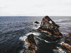 Une magnifique vue sur le Bow Fiddle Rock 🌊 The Rock, Scotland, Waves, Bow, Amazing, Instagram, Arch, Ocean Waves, Wave