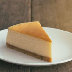 New York Cheesecake is a must. For the best cheesecake in New York City, you must go to Junior's. Ny Food, New York Food, New York City Vacation, New York Travel, Best Places In New York, New York Eats, Best Cheesecake, Food Places, Traveling By Yourself