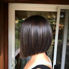 66 Chic Short Bob Hairstyles & Haircuts for Women in 2019 - Hairstyles Trends Cute Bob Haircuts, Angled Bob Hairstyles, Hairstyles Haircuts, Straight Hairstyles, Bob Hairstyles Brunette, Brunette Bob Haircut, Bobs For Thin Hair, Short Straight Hair, Short Hair Cuts