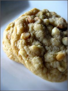 White Chocolate Macadamia Cookie1 by sugarplumblog, via Flickr