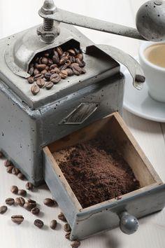 antieke koffie molen