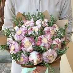 Food Bouquet, Diy Bouquet, Fresh Flowers, Silk Flowers, Beautiful Flowers, Tropical Flowers, Edible Arrangements, Silk Flower Arrangements, Vegetable Bouquet