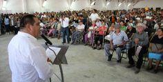 Alcalde entrega apoyos a más de 4 mil adultos mayores en Puerto Vallarta