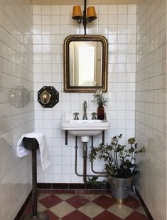Tiny bathrooms 335940453451387986 - A rarely photographed part of our house are the harvest room bathrooms where harvesters used to shower before feasting on delicious, hearty… Source by maisonlili Bathroom Interior Design, Vintage Bathroom, Eclectic Bathroom, Bathroom Red, Home Remodeling, Cheap Home Decor, House Interior, Small Bathroom, Bathroom Decor