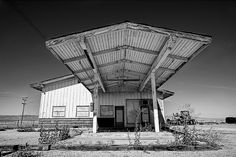 NO GAS: An abandoned gas station in the desolate California Valley