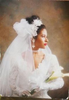 On April Selena and her guitarist, Chris Pérez, eloped in Texas. Selena Quintanilla Perez, Corpus Christi, Jackson, Selena Pictures, Divas, Mexican American, Just In Case, My Idol, Flower Girl Dresses