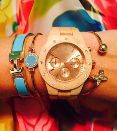When Jord contacted me about checking out their wooden watches, I jumped at the opportunity! What a fresh idea and I was instantly intrigued. Equestrian Jewelry, Wooden Watch, Bangles, Velvet, Watches, Wooden Clock, Bracelets, Wristwatches, Clocks
