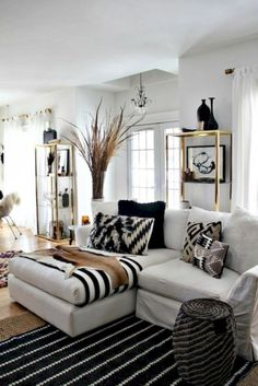 85+ Cozy Apartment Living Room in Black and White Style Inspirations