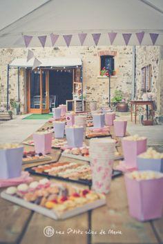 Popcorn et toasts Garden Party Decorations, Baby Shower Decorations, Wedding Decorations, Chic Wedding, Wedding Reception, Baby Shower Buffet, Happy Party, Event Decor, Communion