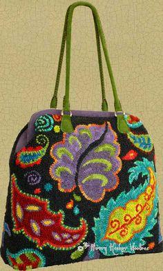 The Merry Hooker Woolens: New Carpetbag Design...