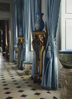 La vie de chateau en bleu et blanc....