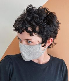 Curly Pixie Haircuts, Short Curly Pixie, Short Curly Hairstyles For Women, Short Hair Curly Perm, Thin Wavy Hair, Short Natural Curly Hair, Hairstyles Haircuts, Blonde Curly Hair, Curly Hair Cuts