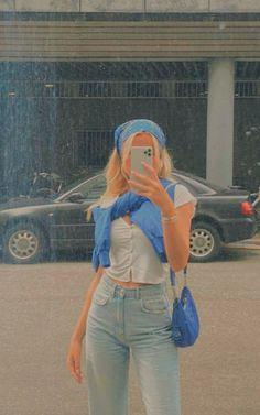 Mirror selfie, no face selfie, photo ideas, picspo, photo inspiration, fashion inspiration Aesthetic photos, vintage aesthetic . . Pin not mine dm for credit . Pin not mine, dm for credit Indie Outfits, Teen Fashion Outfits, Cute Casual Outfits, Girl Outfits, Summer Outfits, Boyfriend Jeans Outfit Casual, Preppy Outfits For School, Green Outfits, Fashion Jobs