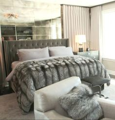 FURRY FURNITURE | Home Accessories Trends for 2017. Whether you're looking for a few updates or a whole new decor, we've got the biggest Home Accessories Trends for 2017. Make your home the coolest this year.