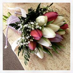 bouquet da sposa con tulipani colorati