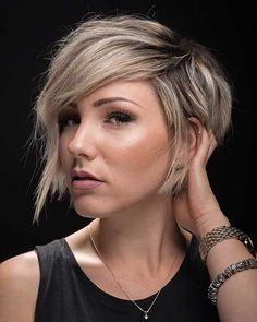 10 Latest Pixie Haircut Designs for Women – Super-stylish Makeovers Take a look at these trendy makeovers, showcasing the latest pixie haircut designs for women of all ages! I challenge anyone to browse through . Short Hair Styles For Round Faces, Short Hair With Layers, Hairstyles For Round Faces, Long Hair Styles, Pixie Haircut For Round Faces, Long Pixie Cut With Bangs, Color For Short Hair, Grown Out Pixie, Short Hairstyles For Women