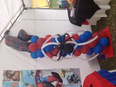 Spider man ballons creation!! Good for birthday party!!!