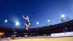 Greg Rutherford of Great Britain leaps on his way to winning the gold medal in the men's long jump on Saturday at the Olympic Stadium. Olympics News, 2012 Summer Olympics, Sports Images, Sports Photos, Greg Rutherford, Robbie Rogers, London Olympic Games, Olympic Gold Medals, Tom Daley