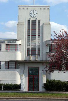 Art Deco - J C Decaux entrance, The Great West Road