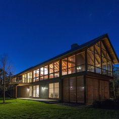 Hammer Architects have designed the North Pamet Ridge House, a two storey, four-bedroom weekend retreat.