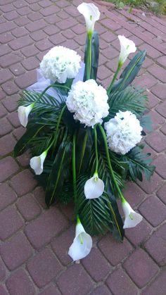 Church Flower Arrangements, Floral Arrangements, Funeral, Grave Decorations, Diy Flowers, Bonsai, Centerpieces, Garden, Plants