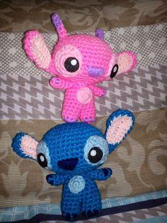 The Duchess' Hands: 626 and 624. Amigurumi crochet Stitch.