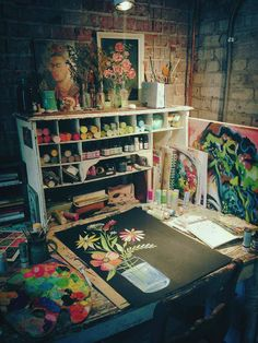 ...10 Inspirational Art Studios --Carmen Whitehead Designs...